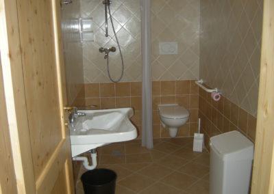 Baita-primalunetta-interno-bagno